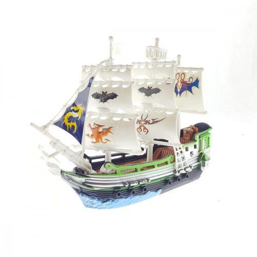 Kicsi kalózhajó